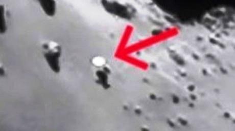 1 Rosetta-avvista-Ufo-sulla-cometa-67P-Churyumov-Gerasimenko3 particolare 3