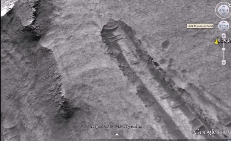 Ennio Piccaluga. 2 - Disco volante su Marte