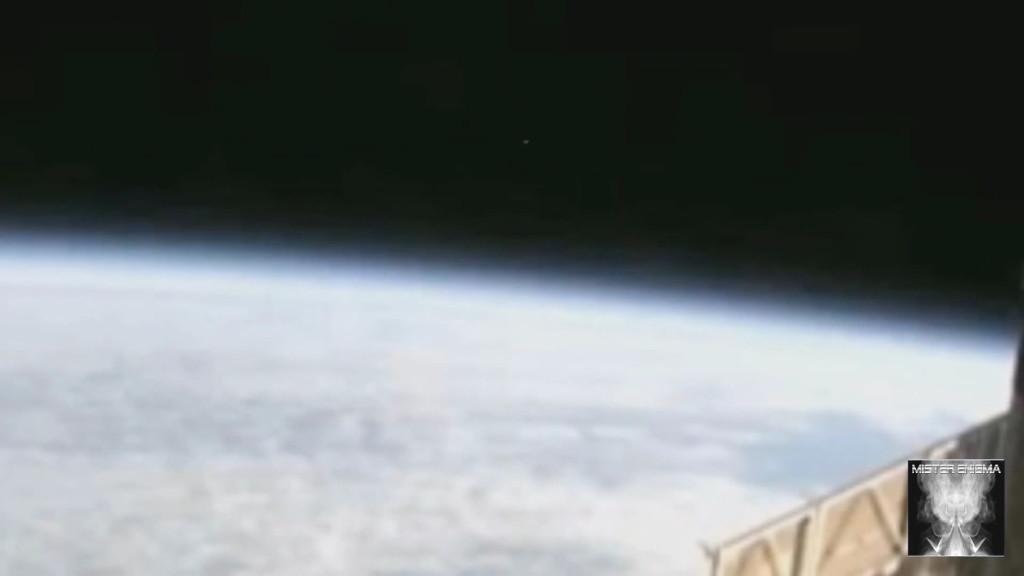 UFO ISS (5)