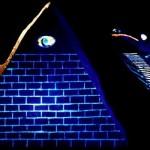 41 - piramide-nera-fluorescente