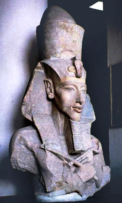 Testa di Akhenaton Museo egizio del Cairo