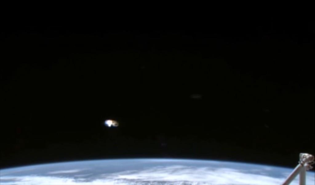 UFO Stazione Spaziale Internazionale (2)