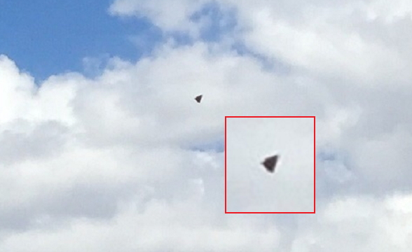 UFO Triangolare Nero (2)