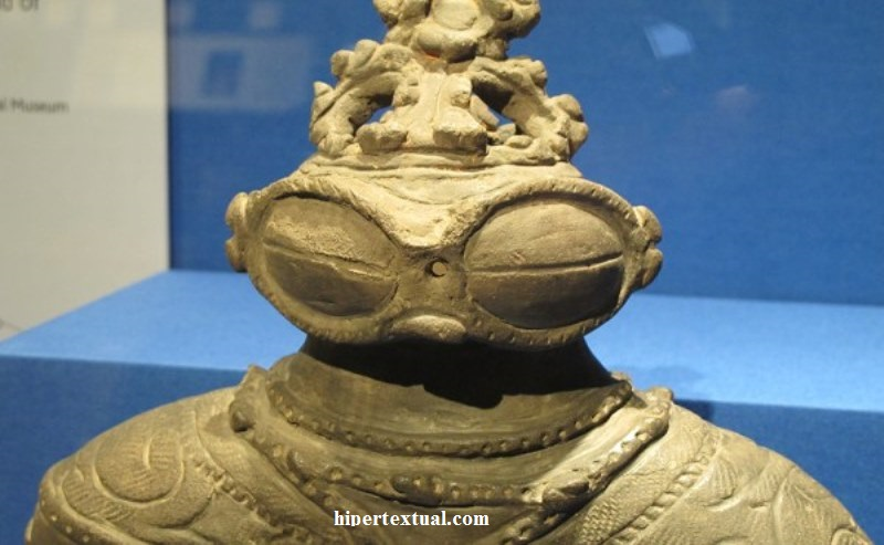 cufom-dogu_jomon_period_japan