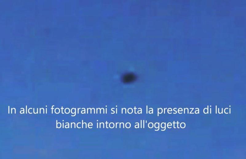 11-ufo-a-san-giorgio-a-cremano-notiamo-luci-attorno-alloggetto