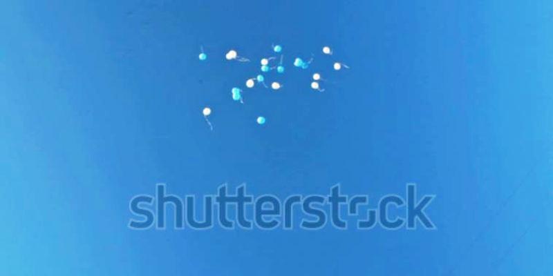 palloni-ad-elio-legati-tra-di-loro