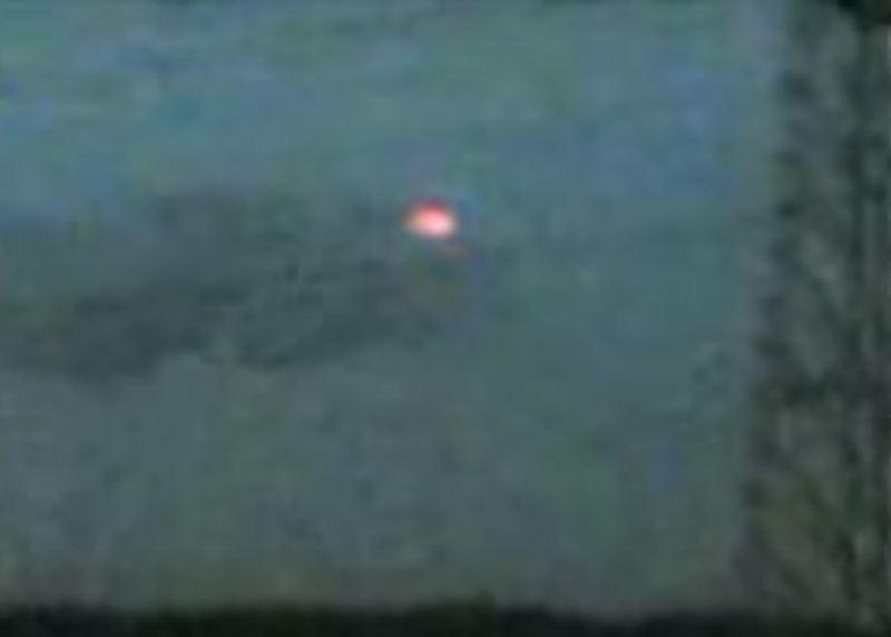L'ufo luminoso di Pomigliano d'Arco del giugno 2010. Il video ha totalizzato decine di migliaia di visualizzazioni su youtube.