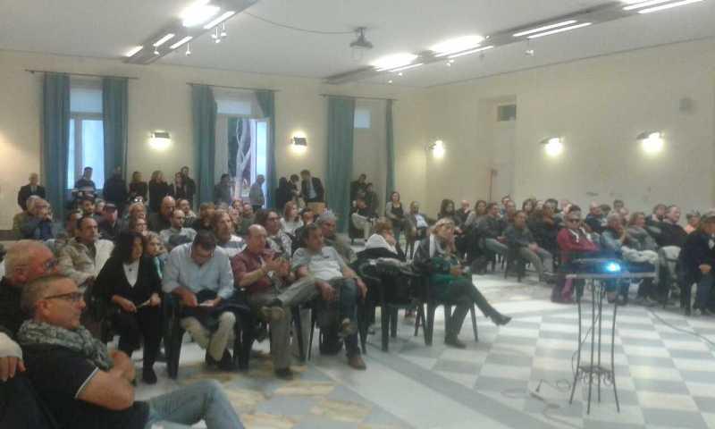 Il folto pubblico di Bacoli del 28 ottobre 2017.