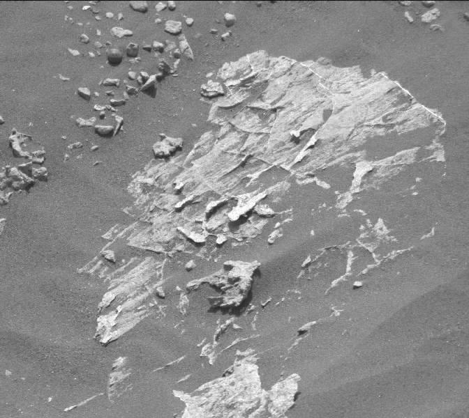 Ecco la foto originale di Marte.. La sfera è verso l'alto a sinistra dell'immagine.