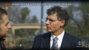 Il Presidente e fondatore del C.UFO.M. dott. Angelo Carannante intervistato da Daniele Bossari durante una puntata di Mistero nota trasmissione di Italia 1.
