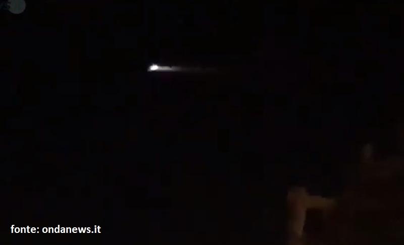 Una bellissima immagine dell'oggetto luminoso. In fondo a questo articolo ahce il video sul sito ondanews.it
