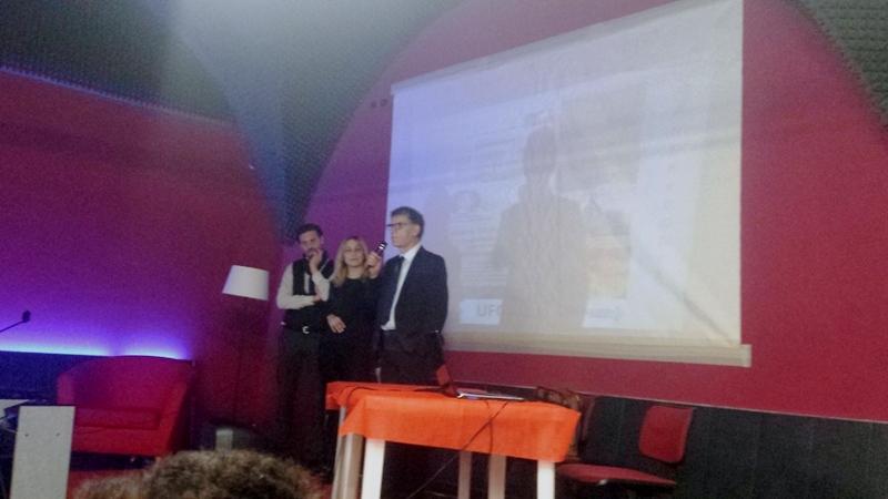 A sinistra Nunzio Favia presidente dell'associazione Progetti futuri. In questa immagine viene immortalato insieme al Presidente del C.UFO.M. Angelo Carannante