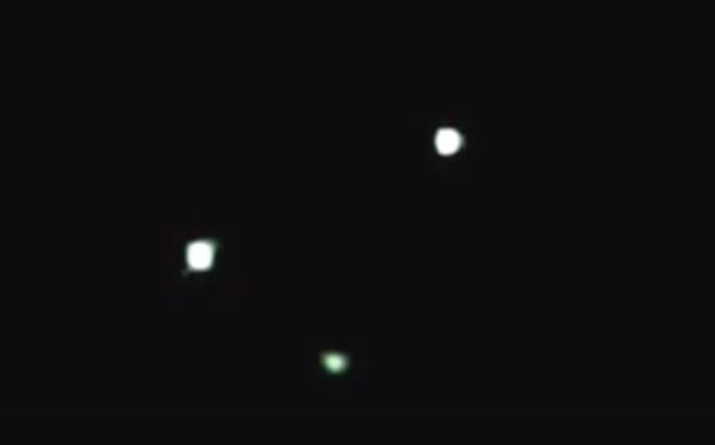UFO TRIANGOLARE A  ROMA 06.06.2010