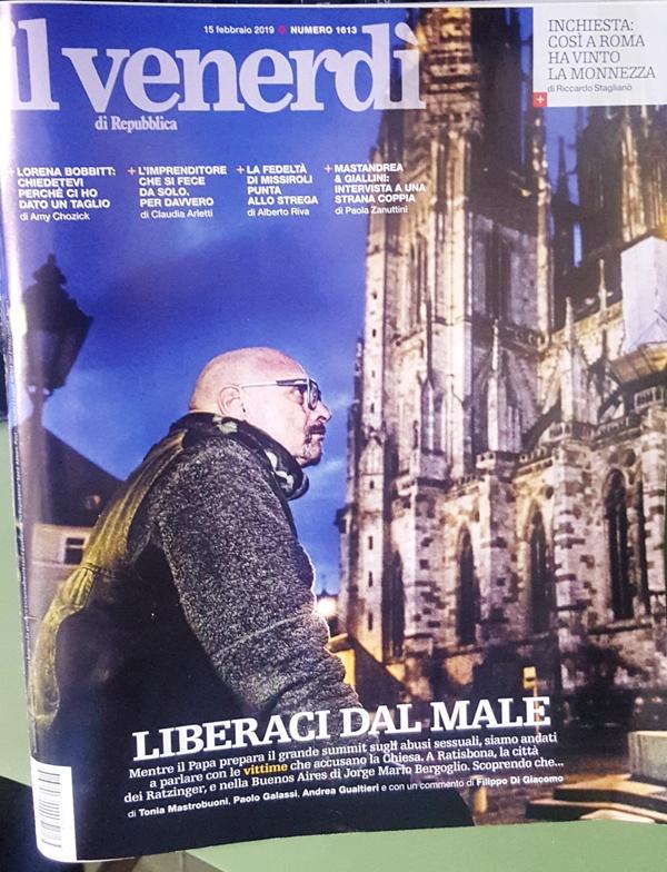 """La copertina de """"Il venerdi"""" di la Repubblica del 15 febbraio 2019 ed in cui vi è lo speciale sul C.UFO.M."""