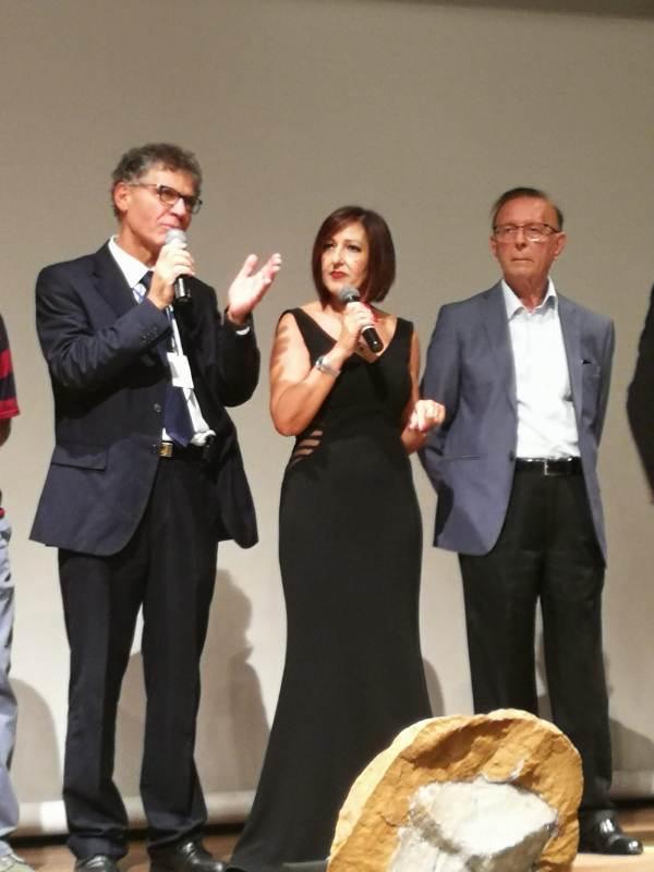 Al centro Rossana Papasodaro coordinatrice C.UFO.M. Lombardia. Alla sua destra il Presidente Angelo Carannante ed a sinistra il Presidente onorario Ennio Piccaluga.