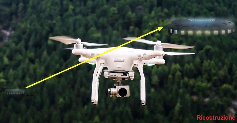 UFO NICHELINO ABBIAMO IMMAGINATO UN INCONTRO COSI' RAPPRESENTATO TRA IL DRONE E L'UFO