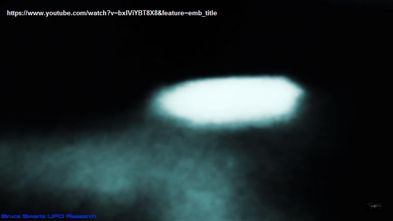 Il misterioso fenomeno luminoso, probabilmente ufologico, sulla luna. Ma tutte le possibilità restano aperte.